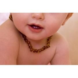 collier en ambre bébé et enfant fermoir sécurité couleur cognac