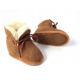 pantoufles bébé en peau de mouton camel